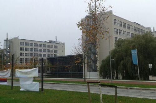 TU universiteit delft C en E buiten uni