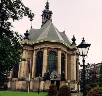 Kerk Spui Den Haag buitenkant 551x351